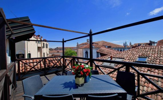 Venice Wonderful Terrace Apartment