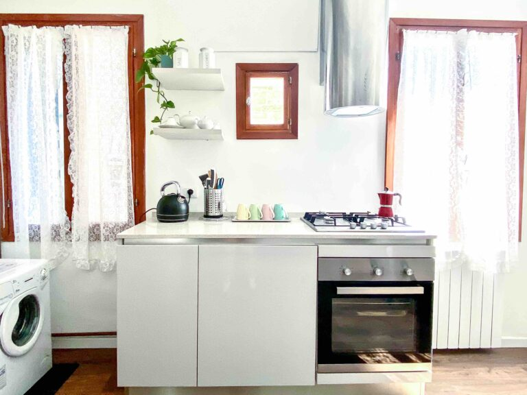 Ca Zulian Venice apartment with canal view kitchen