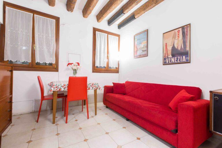 Saint Mark apartment Venice red sofa
