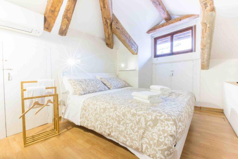 Venice apartment with terrace attic